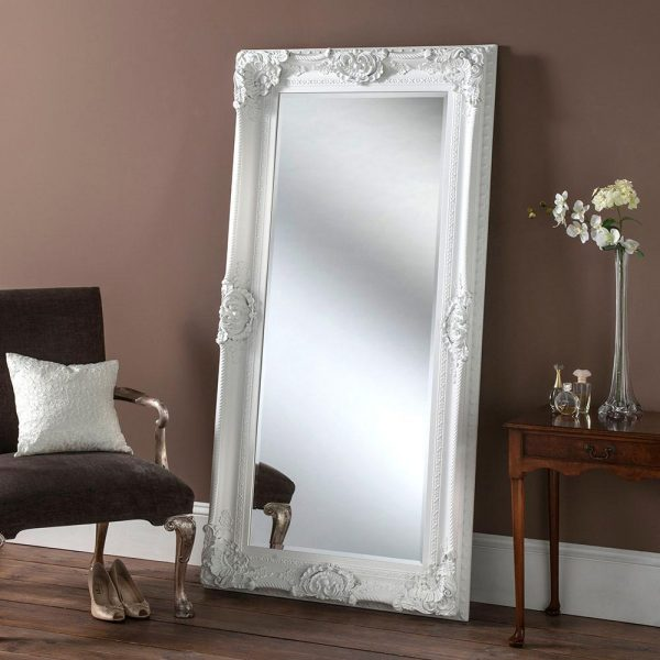 YG256 Baroque mirror in white